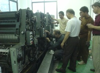 Primary installation of the printing press by German technicians at the customer in China